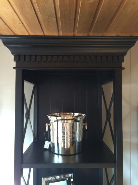 avignon bokhylle i svartlakkert eik paradiset interi r. Black Bedroom Furniture Sets. Home Design Ideas