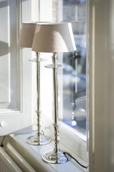 l 39 hotel lampefot s rm paradiset interi r. Black Bedroom Furniture Sets. Home Design Ideas