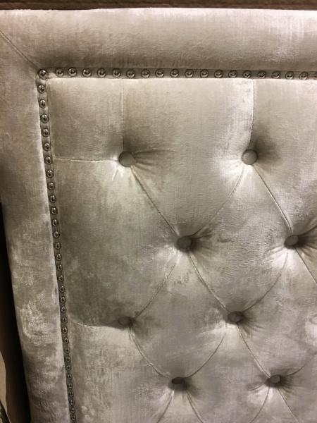 Cannes sengegavl, enkeltseng 90cm i beige velour - Paradiset Interiør